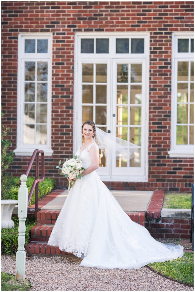 katie's bridal session at the astin mansion in bryan tx, rachel driskell photography