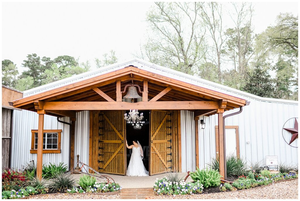 Shannons beautiful Bridal Session at Pine Lake Ranch in Montgomery Texas with Rachel Driskell Photography